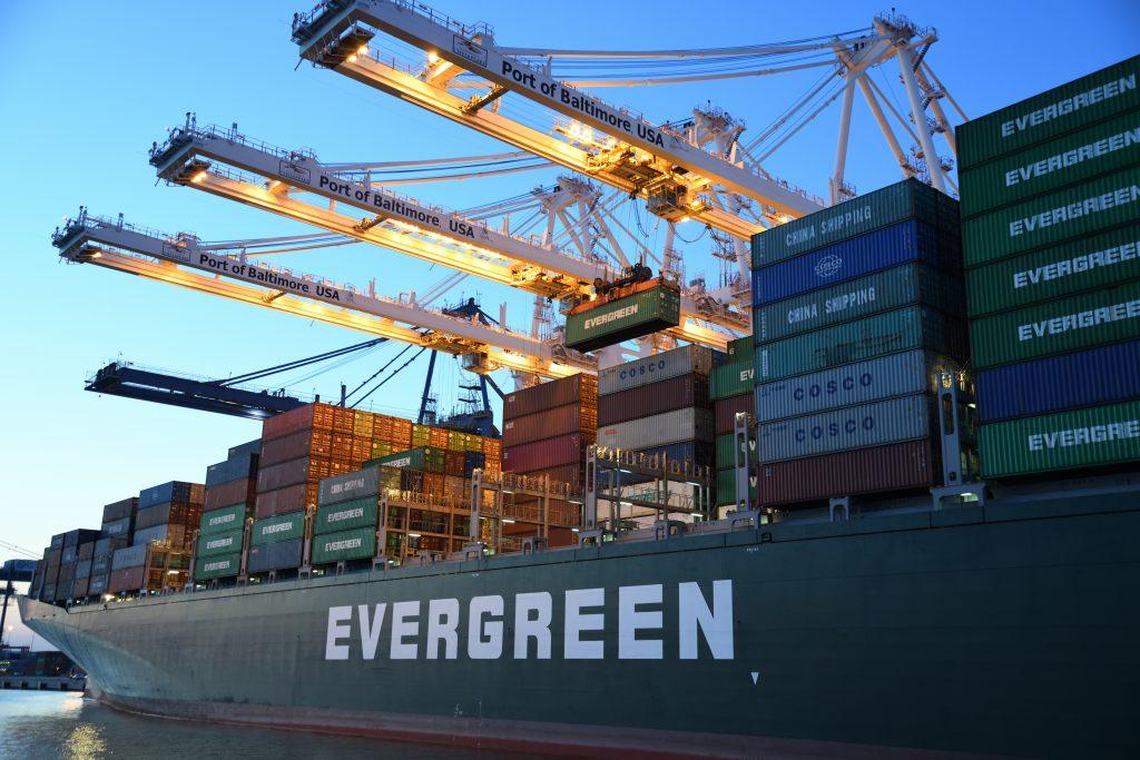 アメリカから日本へ船便輸送